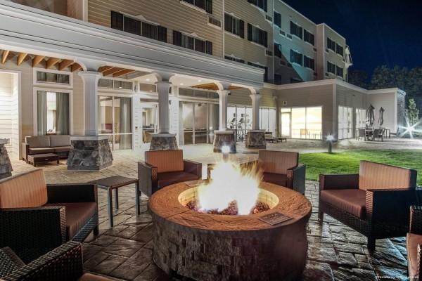 Hotel Courtyard Lenox Berkshires