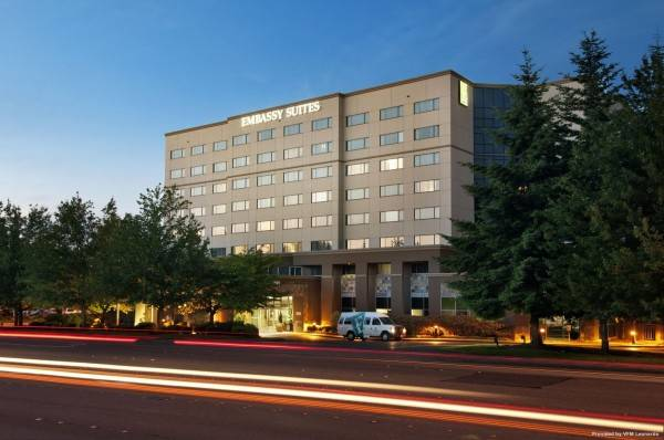 Hotel Embassy Suites by Hilton Seattle Tacoma Int*l Airport