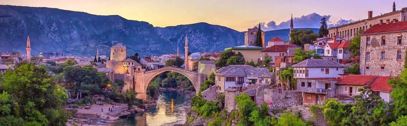 Sie möchten geschäftlich nach Bosnien und Herzegowina reisen? Mit HRS reservieren Sie unkompliziert und schnell ein passendes Hotel in zentraler Lage!