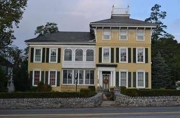 Hotel E J Bowman House Bed & Breakfast