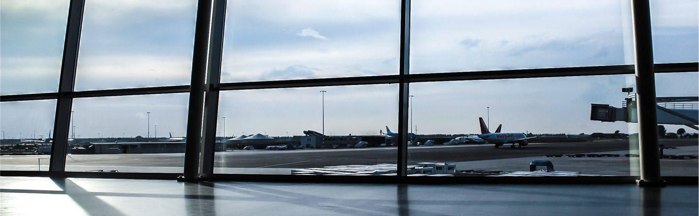 HRS Preisgarantie mit Geld-zurück-Versprechen: Günstige Hotels am Flughafen Dortmund ✔ Geprüfte Hotelbewertungen ✔ Kostenlose Stornierung ✔ Mit Businesstarif 30% Rabatt