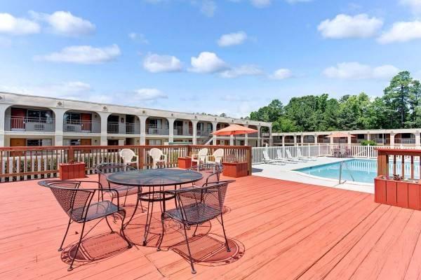 Hotel Super 8 by Wyndham Williamsburg/Historic Area