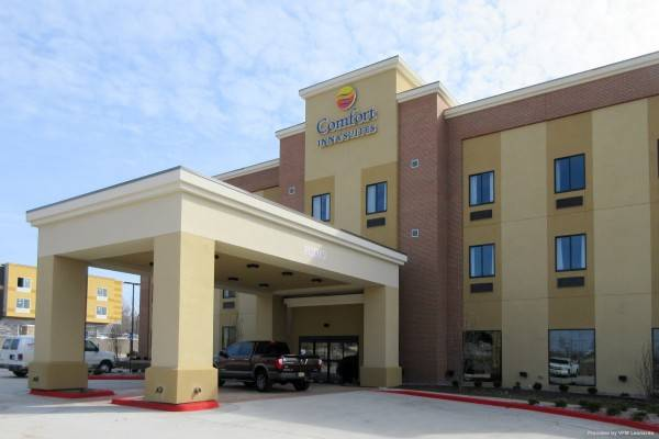 Comfort Inn and Suites Shawnee - Kansas
