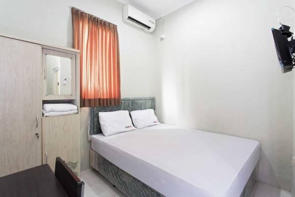Hotel RedDoorz @ Pinang Tangerang