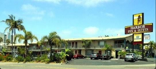 Harbor Inn and Suites