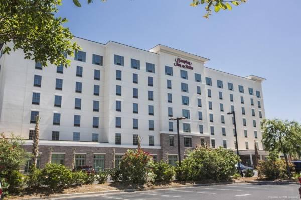 Hampton Inn & Suites Charleston Air