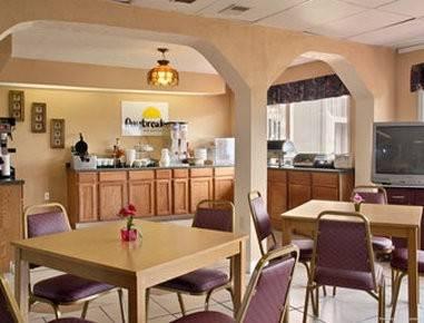 Hotel Travelodge by Wyndham Sellersburg