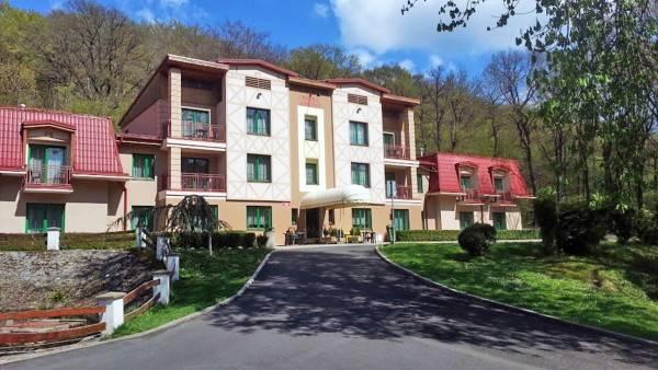Loucky Hotel