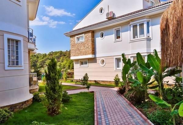 Hotel Golden Life Blue Green Residence