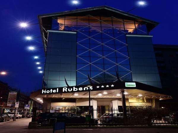 Hotel Antares Rubens
