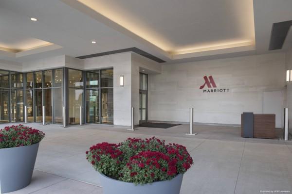 Hotel Buffalo Marriott HARBORCENTER