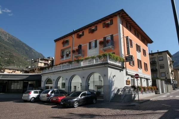 Hotel Bernina Ristorante Suites