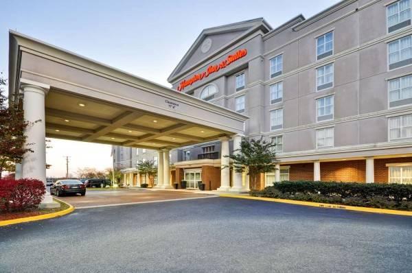 Hampton Inn - Suites Fredericksburg-at Celebrate Virginia