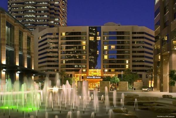 Hotel Embassy Suites by Hilton Phoenix Downto