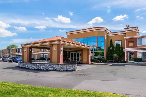 Quality Inn and Suites Albany Airport