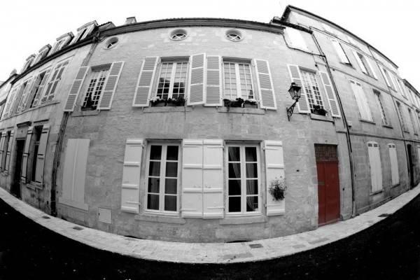 La Porte Rouge - The Red Door Inn Chambres d'Hotes