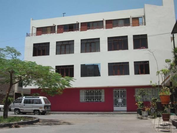 Hotel Hostal Victor
