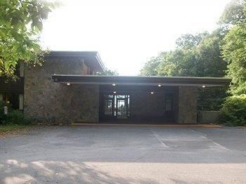 Hotel Overlook Lodge at Bear Mountain