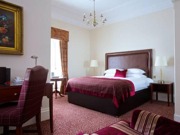 Hotel Macdonald Crutherland House
