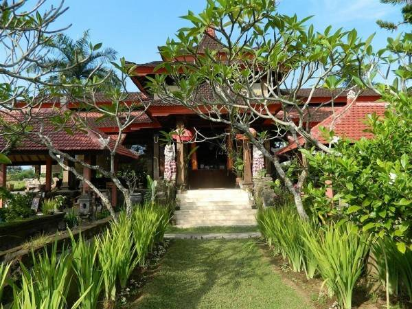 Hotel Suly Vegetarian Resort and Spa