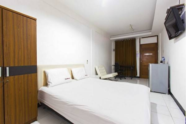 Hotel RedDoorz @ Rempoa