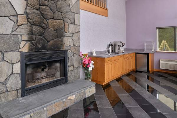 AmeriVu Inn and Suites Wolcott