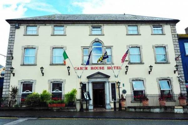 Hotel Cahir House 'The Square'