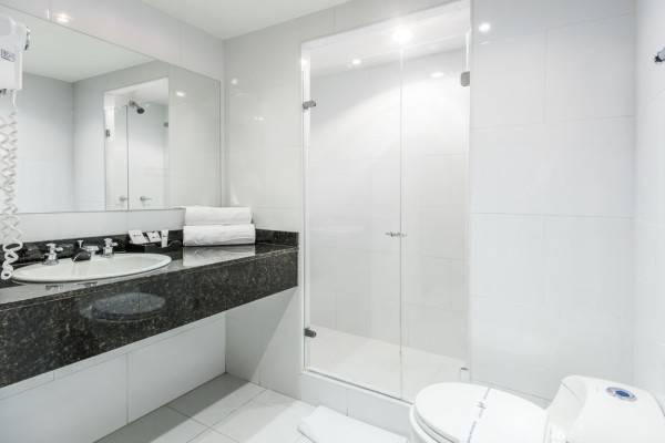 Hotel Travelers Suites Condominio Plenitud
