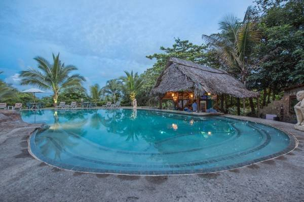 Hotel Popa Paradise Beach Resort