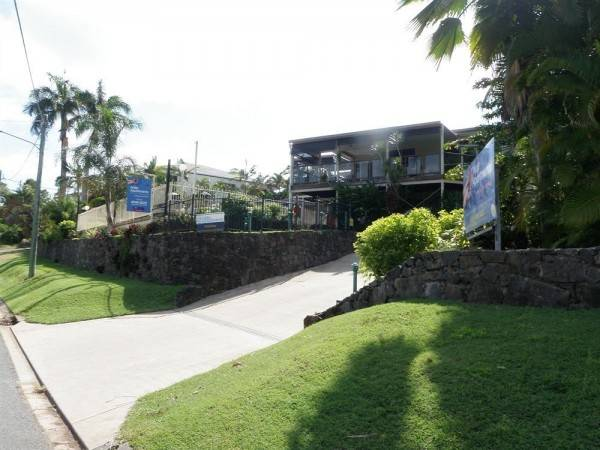 Hotel Airlie Apartments
