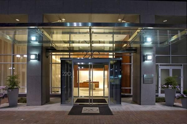 Hotel Global Luxury Suites at Crystal City
