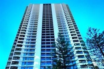 Hotel Surfers Century Oceanside Apartments