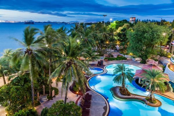 Hotel Cholchan Pattaya Resort