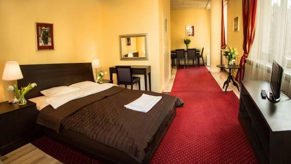 Hotel Centrum SCSK Żurawia