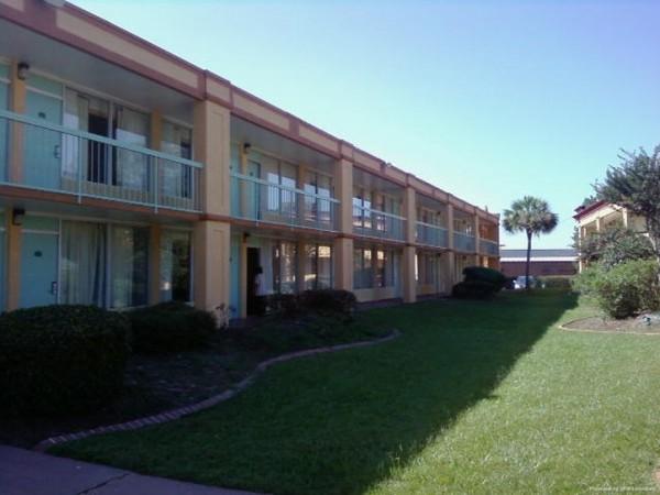 Hotel Econo Lodge Savannah Gateway I-95