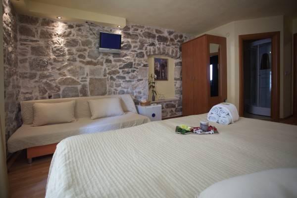 Hotel Authentic Luxury Rooms