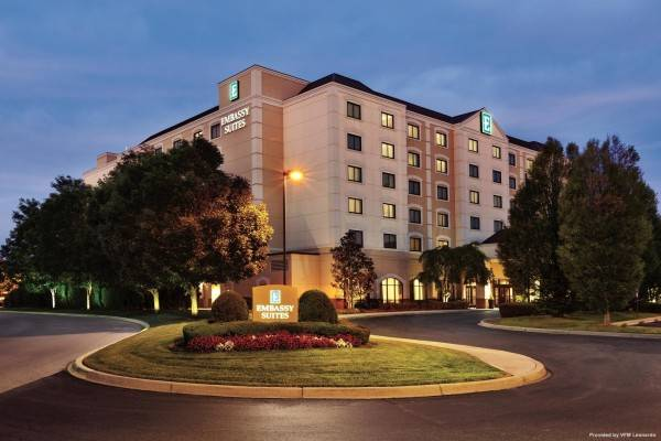 Hotel Embassy Suites by Hilton Louisville East