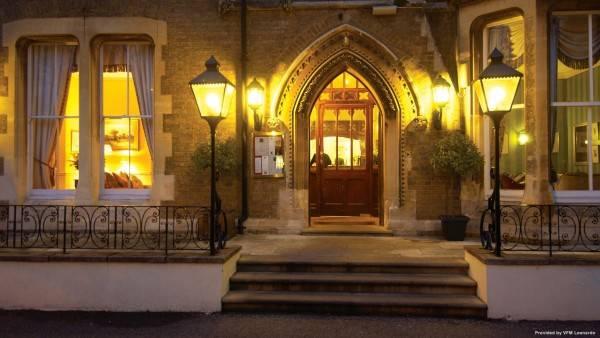 Cotswold Lodge A Classic British Hotel