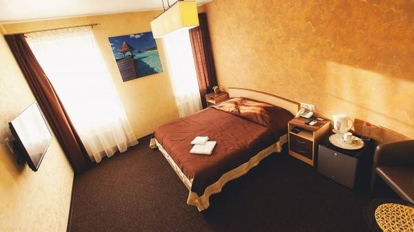 Hotel Shale on Komsomolskiy