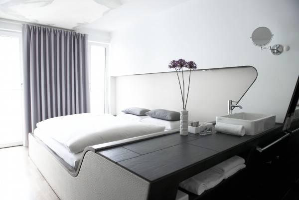 Hotel Q