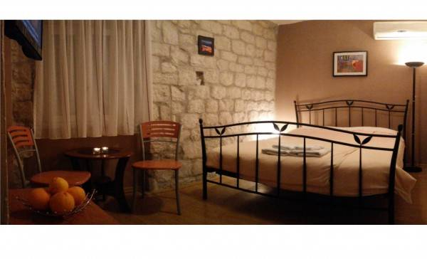 Hotel Carol Rooms Guesthouse