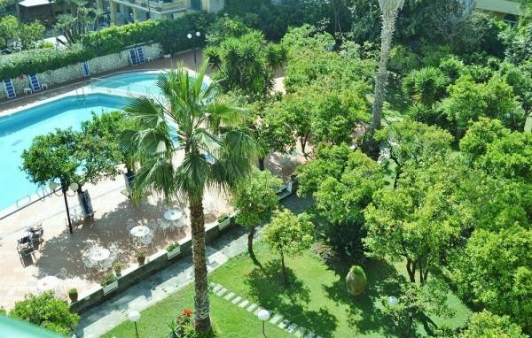 Hotel Carlton International