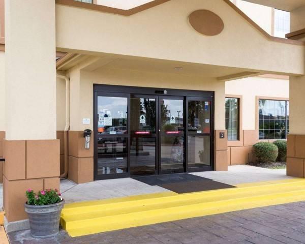 Hotel Comfort Suites Baytown I - 10