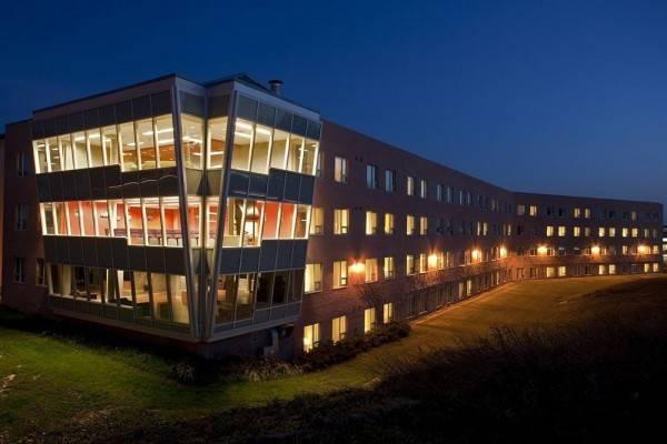 Hotel Residence & Conference Centre - Oshawa