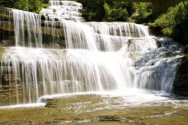 Hotel Finger Lakes Waterfall Resort