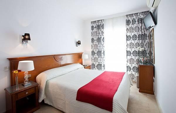 Hotel Abril Hostal