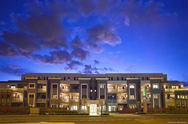 Hotel Quest Glen Waverley