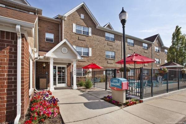 Hotel TownePlace Suites Detroit Livonia