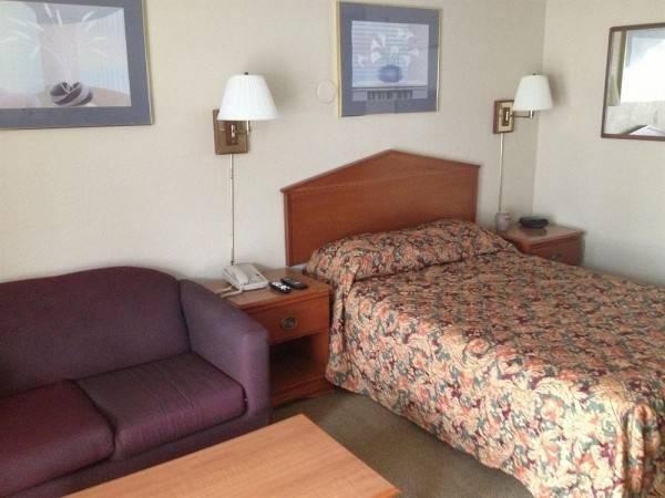 Woodridge Inn & Suites