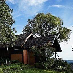 Hotel Phi Phi Natural Resort